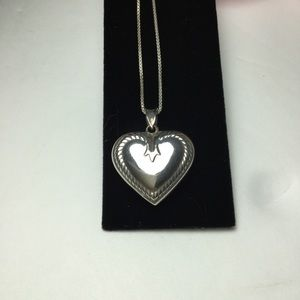 Jewelry - 🌸SALE STERLING PUFF HEART NECKLACE🌸
